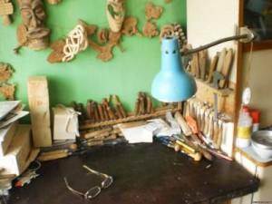 Рабочий стол в мастерской